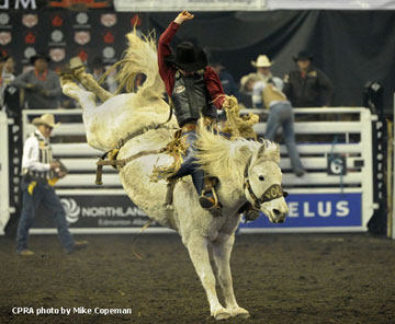 Layton Green - 2012 Novice Saddle Bronc Champion